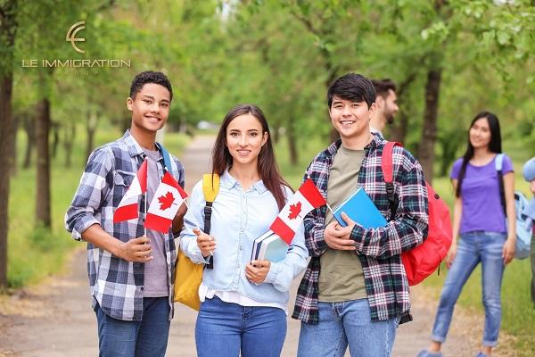 Chính sách nhập cư Canada luôn tạo điều kiện để con cái được học tập miễn phí trong nền giáo dục hàng đầu thế giới