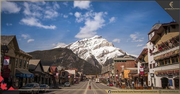 Tất tần tật về đời sống 10 tỉnh bang Canada