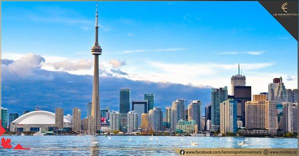 Đời sống 10 tỉnh bang Canada của người Việt